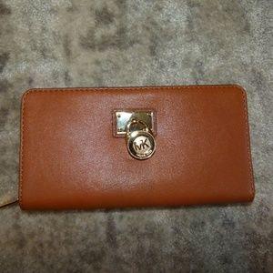 Women's Brown Hamilton Zip Continental Wallet